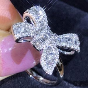 Bow Ring Costume Jewelry Size 9